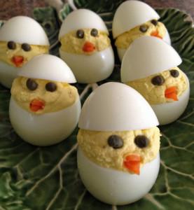 deviled-easter-egg-chicks